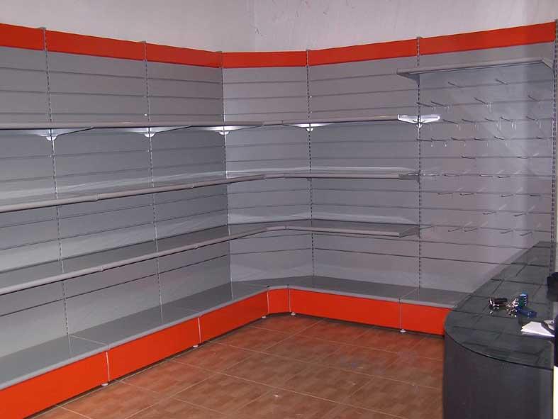 Fabricacion mobiliario comercial montaje integral tiendas instalaciones comerciales - Estanterias metalicas precio ...